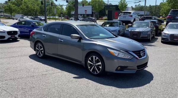 Used 2016 Nissan Altima 2.5 SR for sale $11,992 at Gravity Autos in Roswell GA 30076 2
