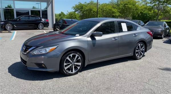 Used 2016 Nissan Altima 2.5 SR for sale $11,992 at Gravity Autos in Roswell GA 30076 4