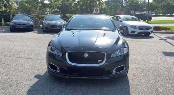 Used 2014 Jaguar XJR Base for sale $33,491 at Gravity Autos in Roswell GA 30076 3