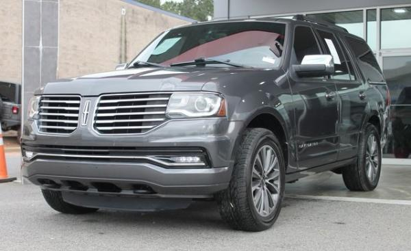 Used 2015 Lincoln Navigator Base for sale $23,992 at Gravity Autos in Roswell GA 30076 3