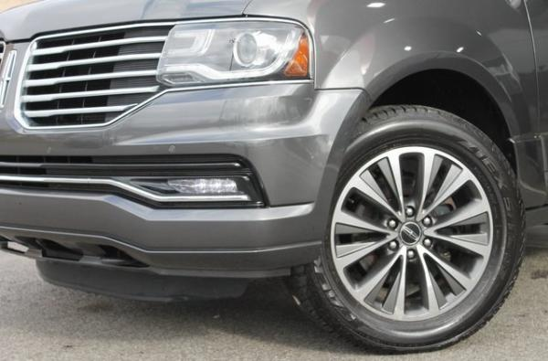 Used 2015 Lincoln Navigator Base for sale $23,992 at Gravity Autos in Roswell GA 30076 4