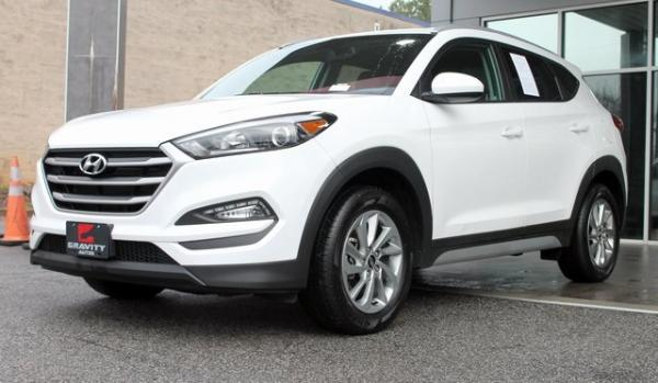 Used 2017 Hyundai Tucson SE for sale Sold at Gravity Autos in Roswell GA 30076 3