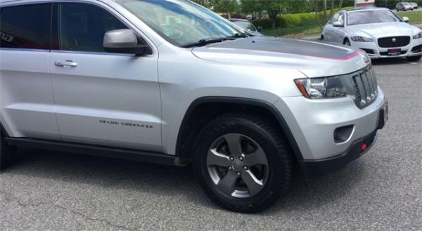 Used 2013 Jeep  Grand Cherokee Loredo for sale Sold at Gravity Autos in Roswell GA 30076 2