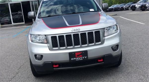 Used 2013 Jeep  Grand Cherokee Loredo for sale Sold at Gravity Autos in Roswell GA 30076 3