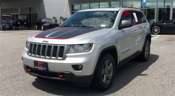 Used 2013 Jeep  Grand Cherokee Loredo for sale Sold at Gravity Autos in Roswell GA 30076 4