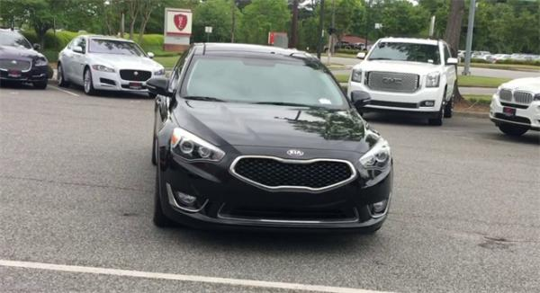 Used 2016 Kia Cadenza Premium for sale Sold at Gravity Autos in Roswell GA 30076 3
