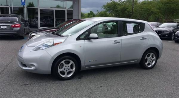 Used 2012 Nissan Leaf SL for sale $7,495 at Gravity Autos in Roswell GA 30076 4