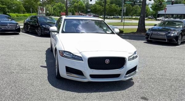 Used 2016 Jaguar XF Prestige for sale $22,491 at Gravity Autos in Roswell GA 30076 3