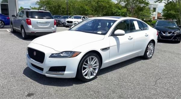 Used 2016 Jaguar XF Prestige for sale $22,491 at Gravity Autos in Roswell GA 30076 4