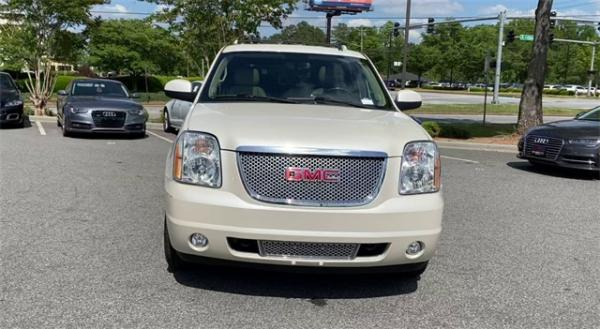 Used 2014 GMC Yukon Denali for sale $20,492 at Gravity Autos in Roswell GA 30076 3