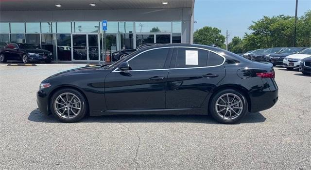 Used 2018 Alfa Romeo Giulia Base for sale Sold at Gravity Autos Roswell in Roswell GA 30076 5