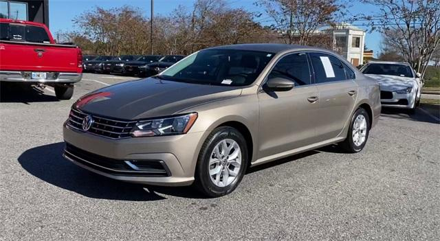 Used 2016 Volkswagen Passat 1.8T R-Line for sale Sold at Gravity Autos Roswell in Roswell GA 30076 4