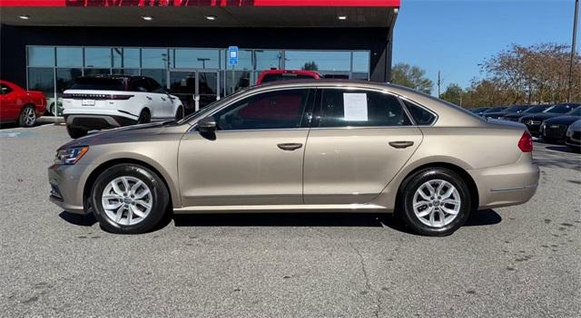 Used 2016 Volkswagen Passat 1.8T R-Line for sale Sold at Gravity Autos Roswell in Roswell GA 30076 5