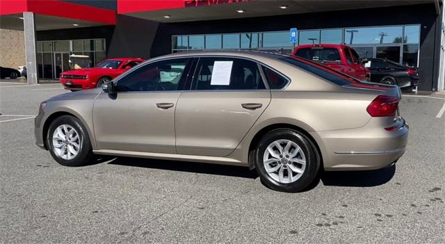 Used 2016 Volkswagen Passat 1.8T R-Line for sale Sold at Gravity Autos Roswell in Roswell GA 30076 6