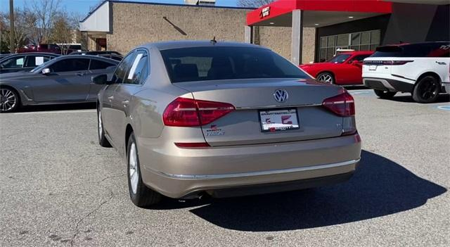 Used 2016 Volkswagen Passat 1.8T R-Line for sale Sold at Gravity Autos Roswell in Roswell GA 30076 7