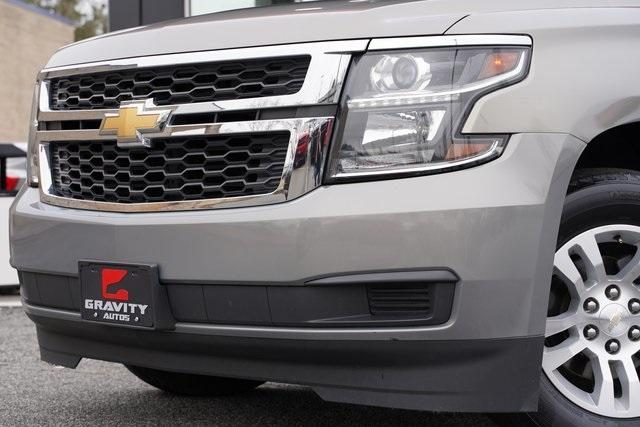 Used 2018 Chevrolet Suburban LT for sale Sold at Gravity Autos Roswell in Roswell GA 30076 3