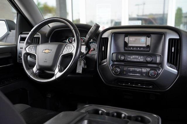 Used 2014 Chevrolet Silverado 1500 LT for sale $29,396 at Gravity Autos Roswell in Roswell GA 30076 13