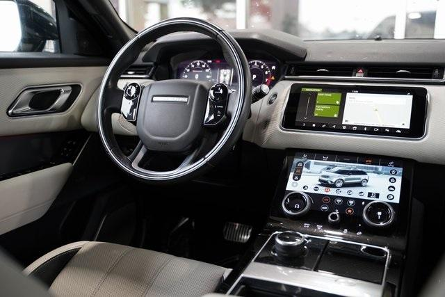 Used 2018 Land Rover Range Rover Velar P380 SE R-Dynamic for sale Sold at Gravity Autos Roswell in Roswell GA 30076 19