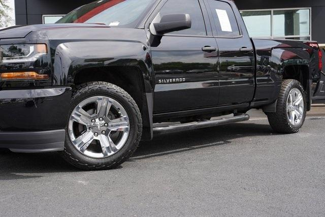 Used 2017 Chevrolet Silverado 1500 Custom for sale $33,991 at Gravity Autos Roswell in Roswell GA 30076 3