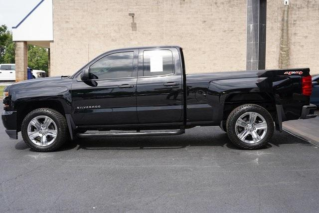 Used 2017 Chevrolet Silverado 1500 Custom for sale $33,991 at Gravity Autos Roswell in Roswell GA 30076 4