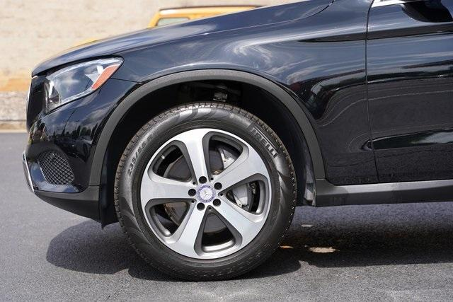 Used 2017 Mercedes-Benz GLC GLC 300 for sale $33,996 at Gravity Autos Roswell in Roswell GA 30076 10