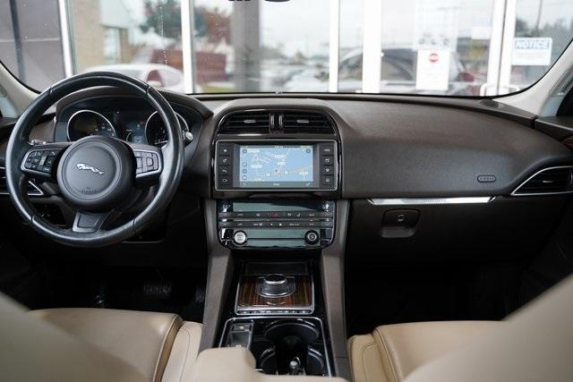 Used 2017 Jaguar F-PACE 20d Prestige for sale $32,992 at Gravity Autos Roswell in Roswell GA 30076 15