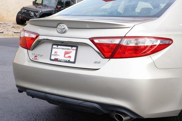 Used 2017 Toyota Camry SE for sale $18,991 at Gravity Autos Roswell in Roswell GA 30076 14