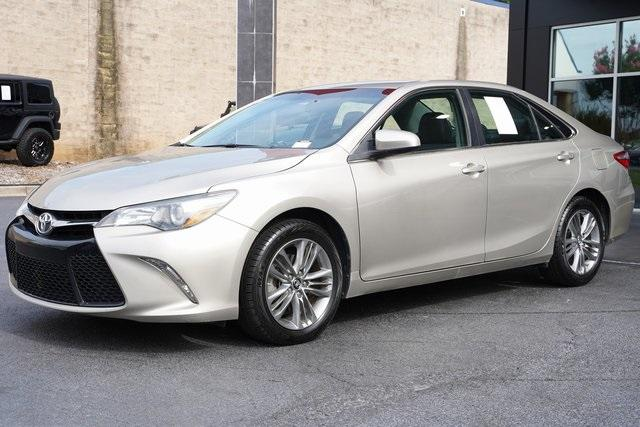 Used 2017 Toyota Camry SE for sale $18,991 at Gravity Autos Roswell in Roswell GA 30076 5