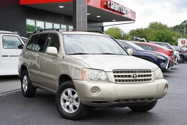 Used 2002 Toyota Highlander V6 for sale $8,991 at Gravity Autos Roswell in Roswell GA 30076 2