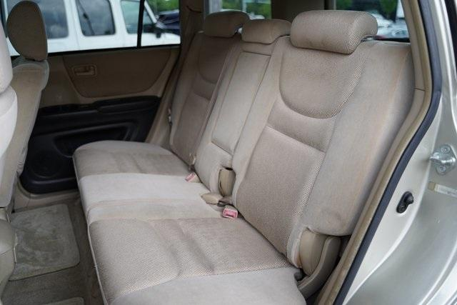 Used 2002 Toyota Highlander V6 for sale $8,991 at Gravity Autos Roswell in Roswell GA 30076 22