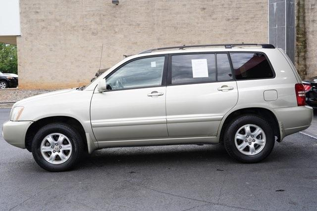 Used 2002 Toyota Highlander V6 for sale $8,991 at Gravity Autos Roswell in Roswell GA 30076 4