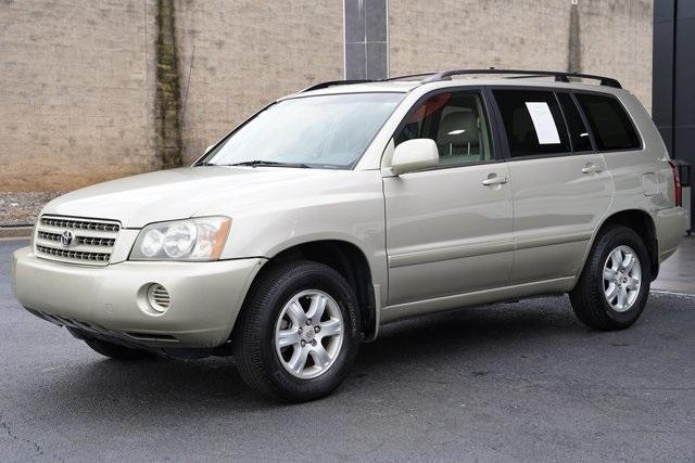 Used 2002 Toyota Highlander V6 for sale $8,991 at Gravity Autos Roswell in Roswell GA 30076 5
