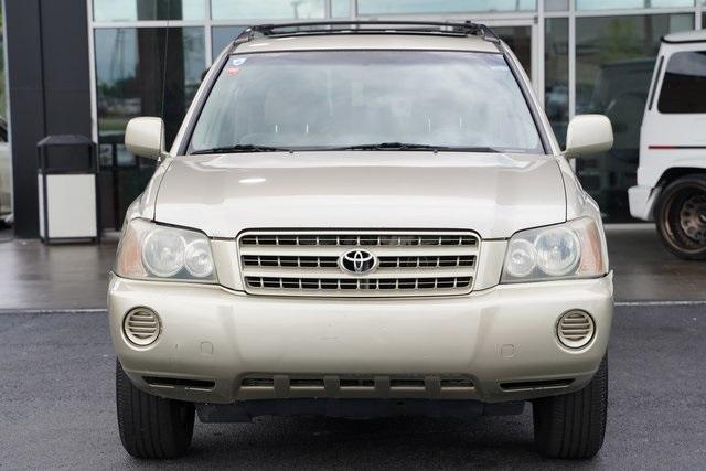 Used 2002 Toyota Highlander V6 for sale $8,991 at Gravity Autos Roswell in Roswell GA 30076 6