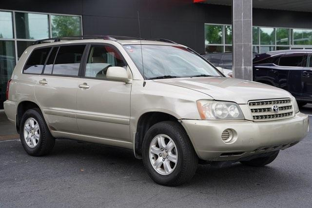 Used 2002 Toyota Highlander V6 for sale $8,991 at Gravity Autos Roswell in Roswell GA 30076 7