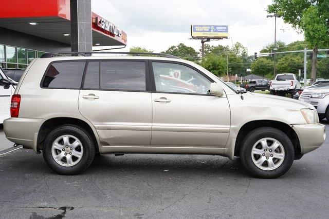Used 2002 Toyota Highlander V6 for sale $8,991 at Gravity Autos Roswell in Roswell GA 30076 8