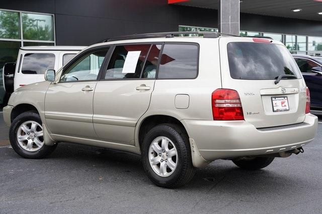 Used 2002 Toyota Highlander V6 for sale $8,991 at Gravity Autos Roswell in Roswell GA 30076 9