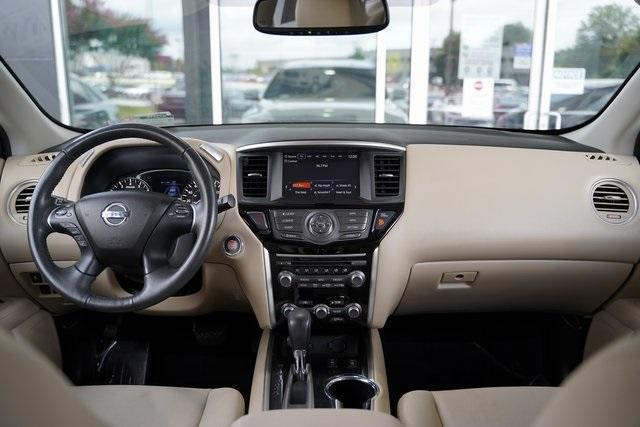 Used 2017 Nissan Pathfinder SV for sale $24,991 at Gravity Autos Roswell in Roswell GA 30076 15
