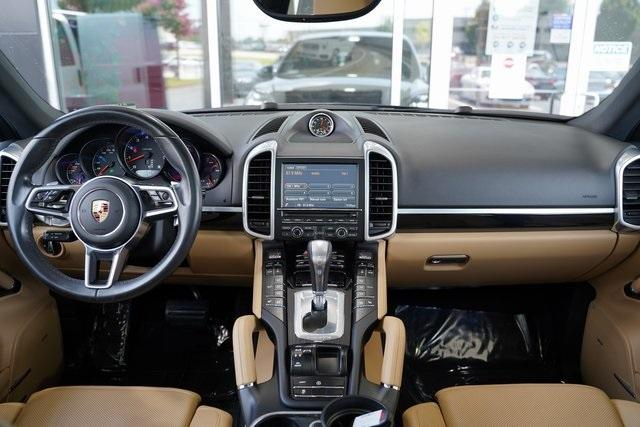 Used 2016 Porsche Cayenne Base for sale Sold at Gravity Autos Roswell in Roswell GA 30076 14