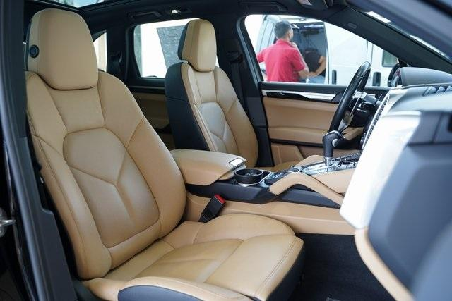 Used 2016 Porsche Cayenne Base for sale Sold at Gravity Autos Roswell in Roswell GA 30076 29
