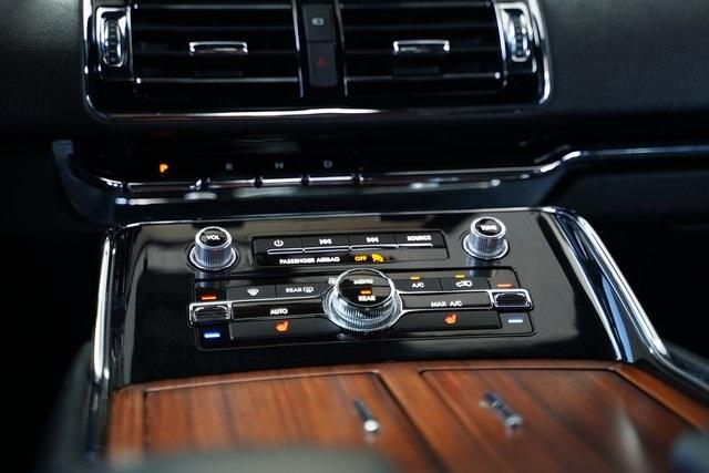 Used 2018 Lincoln Navigator Select for sale $49,991 at Gravity Autos Roswell in Roswell GA 30076 17