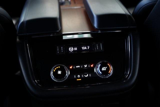 Used 2018 Lincoln Navigator Select for sale $49,991 at Gravity Autos Roswell in Roswell GA 30076 31