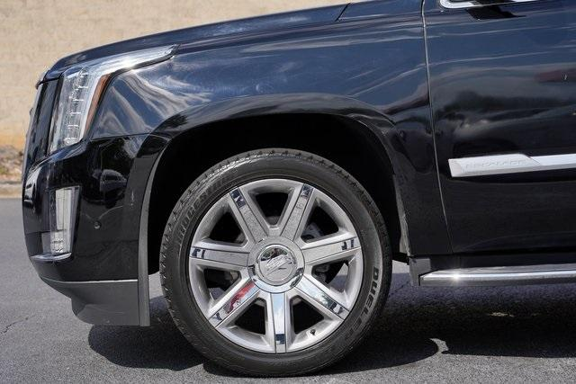 Used 2019 Cadillac Escalade Luxury for sale $60,992 at Gravity Autos Roswell in Roswell GA 30076 10