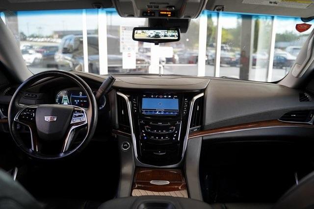 Used 2019 Cadillac Escalade Luxury for sale $60,992 at Gravity Autos Roswell in Roswell GA 30076 15