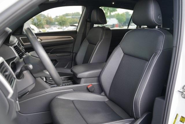 Used 2020 Volkswagen Atlas Cross Sport 3.6L V6 SEL R-Line for sale Sold at Gravity Autos Roswell in Roswell GA 30076 26