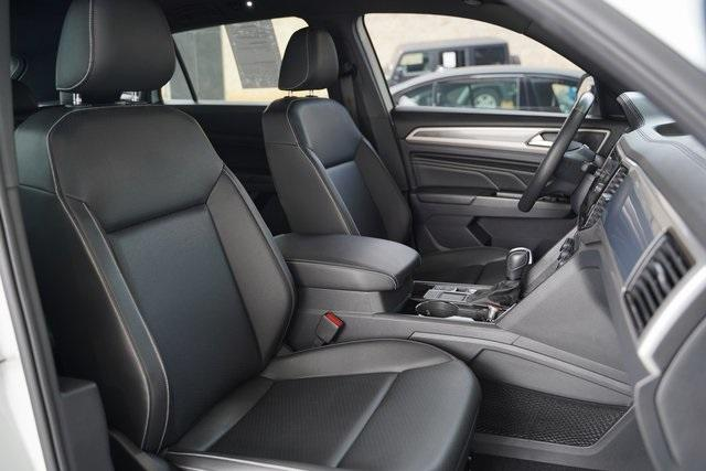 Used 2020 Volkswagen Atlas Cross Sport 3.6L V6 SEL R-Line for sale Sold at Gravity Autos Roswell in Roswell GA 30076 27