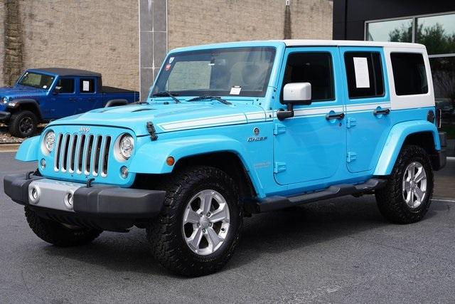 Used 2017 Jeep Wrangler Unlimited Sahara for sale $39,992 at Gravity Autos Roswell in Roswell GA 30076 5