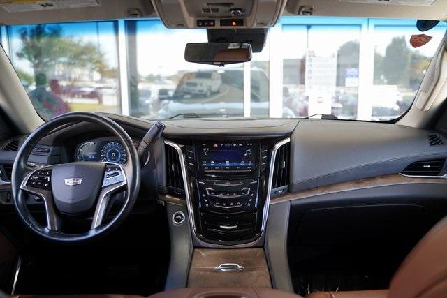 Used 2017 Cadillac Escalade ESV Premium for sale $58,992 at Gravity Autos Roswell in Roswell GA 30076 15