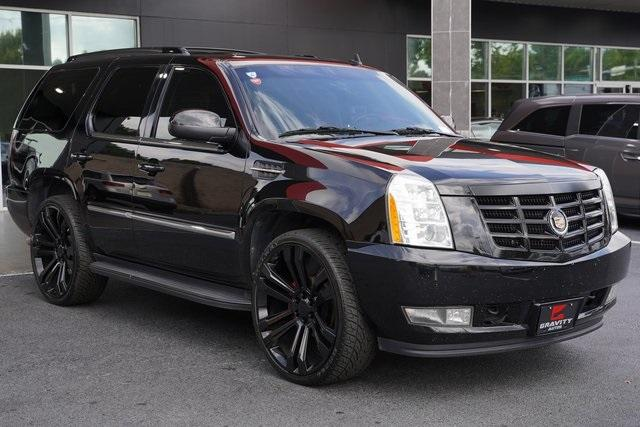 Used 2013 Cadillac Escalade Luxury for sale $26,992 at Gravity Autos Roswell in Roswell GA 30076 7