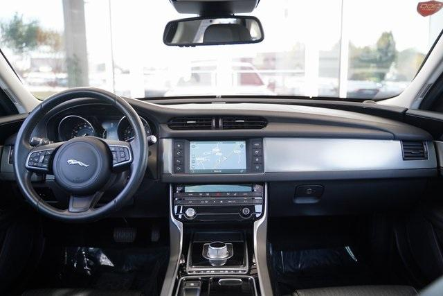 Used 2016 Jaguar XF 35t Prestige for sale $27,992 at Gravity Autos Roswell in Roswell GA 30076 15